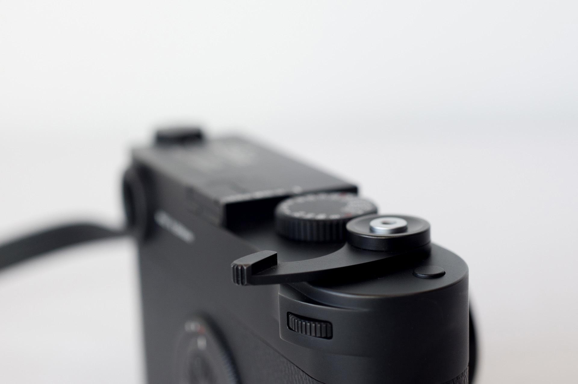 Leica M10-Dレビュー04 <収納式のサムレストについて>